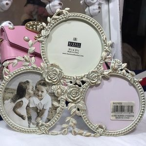 Shabby Chic picture frame three photos. NWT
